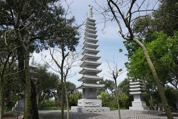 Torres de pagode do buddha eden