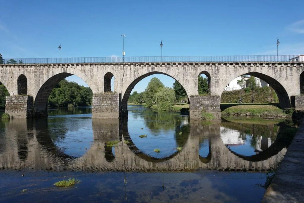 Ponte medieval em Ponte da Barca