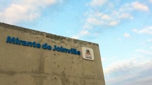 Recentemente estivemos visitando o novo mirante de Joinville no Morro da Boa Vista, onde no local também esta o Zoobotanico da cidade, ou seja, duas atrações em um mesmo local para você curtir um belo dia...MAIS