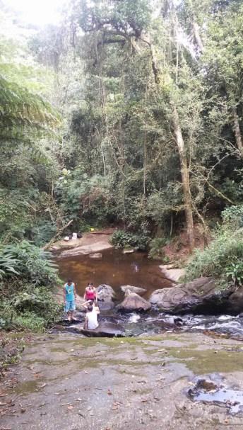 Cachoeira do Tombo fica no início da trilha - Foto: Patrícia Ribeiro/ Passeios Barato em SP
