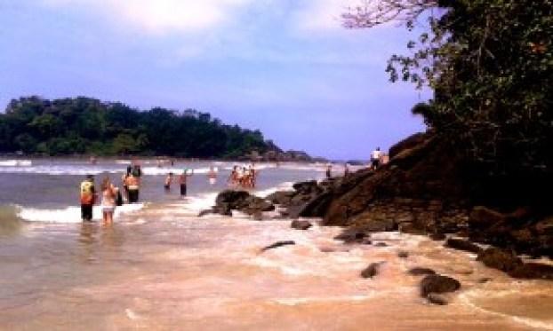 Se a maré tiver baixa dá par ir à ilha em frente. Foto: Patrícia Ribeiro/ Passeios Baratos em SP