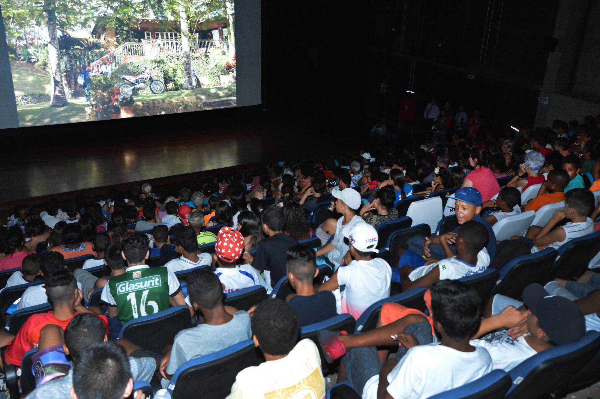 Circuito Sp Cine : Cinema grátis nos bairros e r$ 8 nos centros culturais: confira o