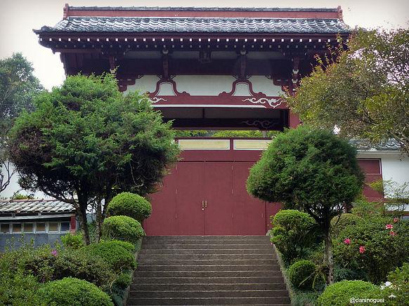 O templo Kinkaju-ji fica em Itapecerica da Serra Foto: Dani Nogueira