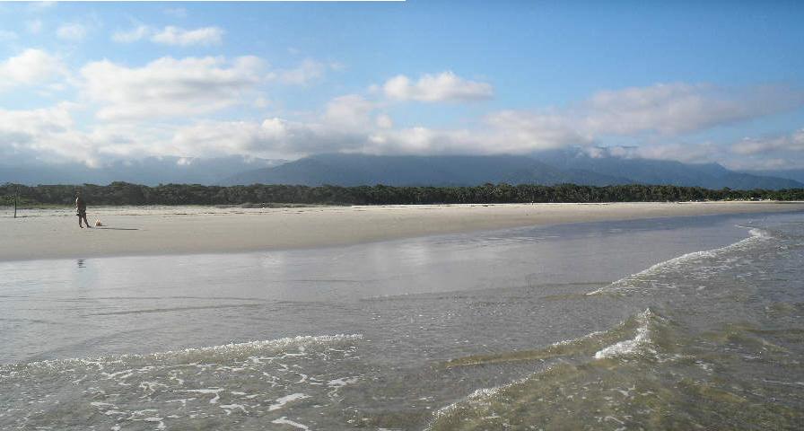 Praia de Itaguaré fica numa reserva ambiental Foto: Divulgação
