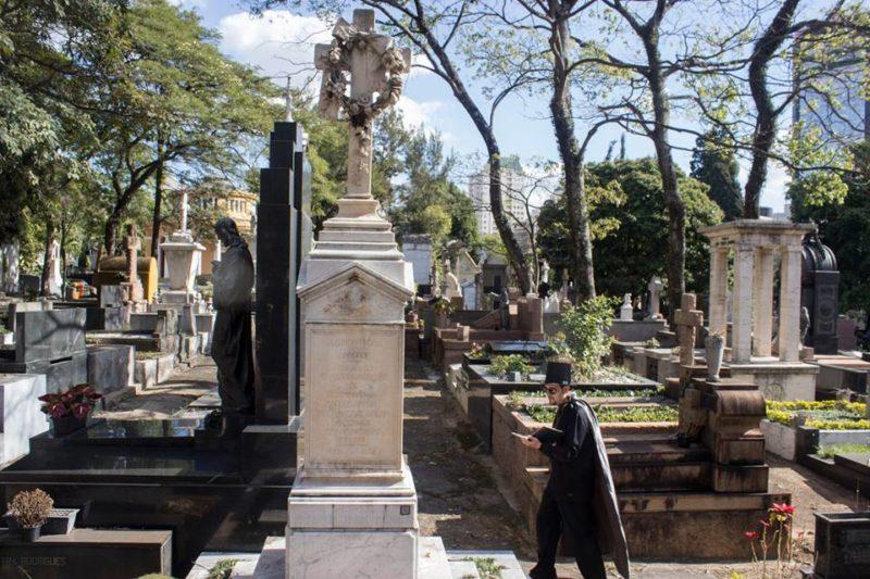 sarautor-cemitério