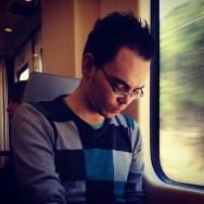 Reading  by Fran Simó passengers,
