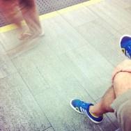Quietud y movimiento     by Núria Rodríguez feet, passengers, piessengers, train,