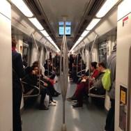 Un ocell al metro by Paula Jarrin passengers,