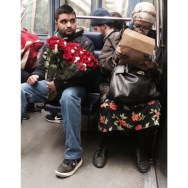 Miradas llenas de curiosidad y flores.... by jader_one city, citylove, flor, flower, flowers, igers, instafrance, instagood, instaparis, man, metro, passengers, photography, photooftheday, picoftheday, street, streetphotography, train, travel, wagon, woman,