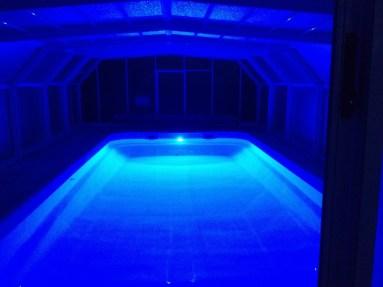 gite-piscine-couverte