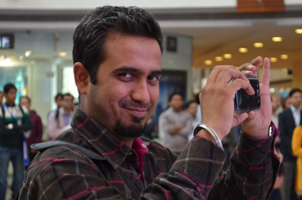 Even this photographer (Rajat) is jealous of my having been closer to the vivacious Genelia...