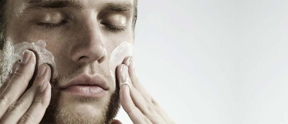 pourquoi et comment faire un gommage du visage maison homme recette