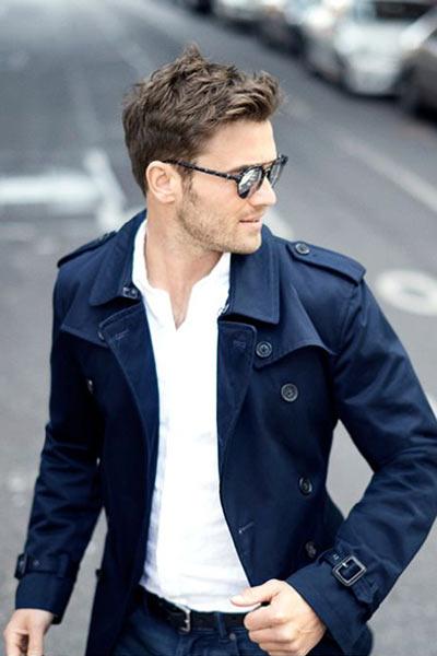trench coat bleu marine pour s'habiller en automne