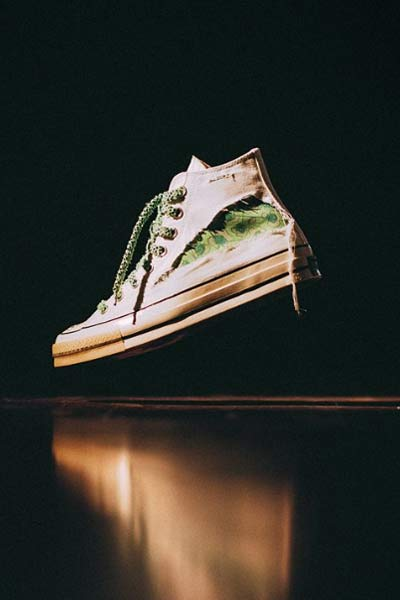 Converse x Dr Woo blanche