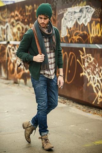 choisir et porter un cardigan pour homme, fine maille verte adam gallagher