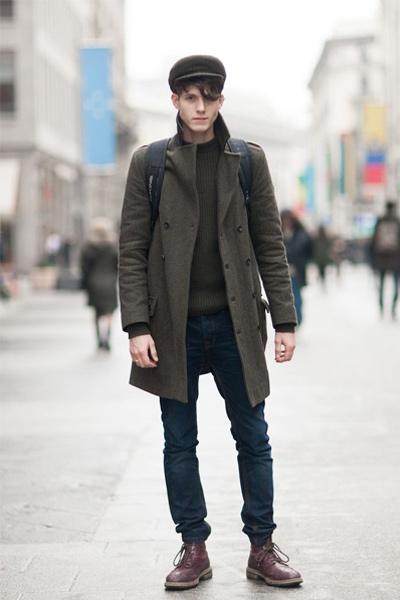 s'habiller en hiver homme look avec un pardessus kaki