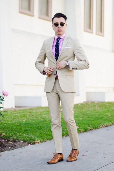 tenue habillée costume beige