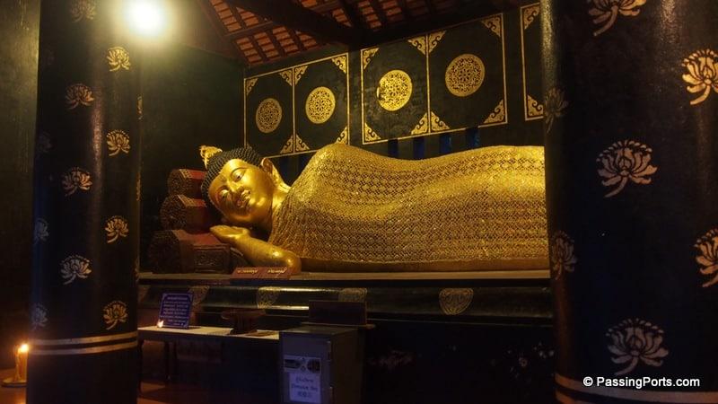 Buddha in Wat Chedi Luang in Chiang Mai
