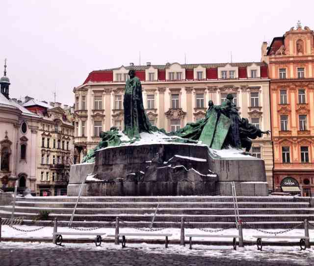 Jan Hus Memorial In Old Town Square Things To Do In Prague What Not