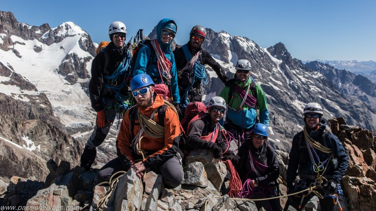 Le groupe au sommet