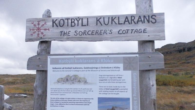 Circuit guidé Islande Highlands et Westfjords, musée de la sorcellerie à Holmavik