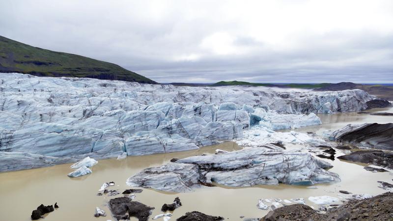 circuit guidé Islande dans le Sud et l'Est, au pied d'un glacier à Skaftafell