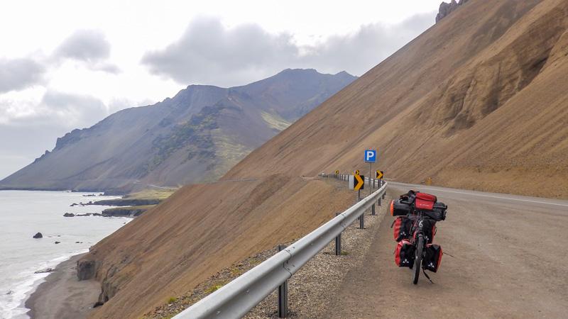 Islande à vélo dans le sud jusqu'aux fjords de l'Est, route circulaire numéro 1 dans les fjords