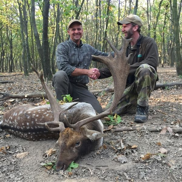happy hunting client with guide in europe