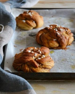 The Dough Diaries: Cinnamon & Cardamom Knots
