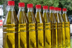 Olive-Oil-Oil-Bottles-Food-Eat-Market-Filled-507129 [320x200]