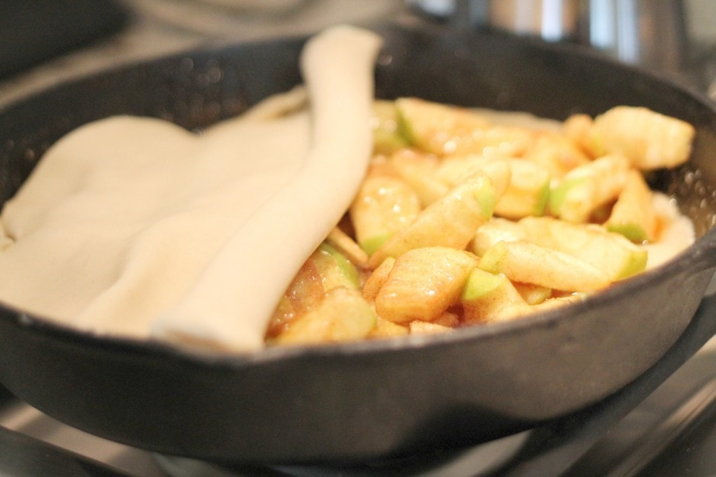 Covering Skillet Apple Pie with Crust