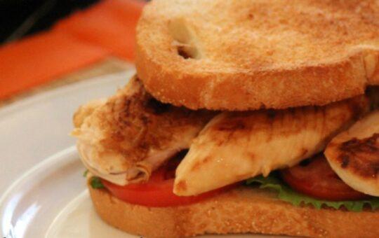 chicken tender sandwich