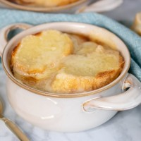 French Onion Soup {Easy Slow Cooker Recipe}