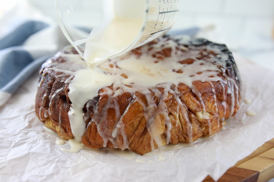 Putting Icing on Slow Cooker Monkey Bread