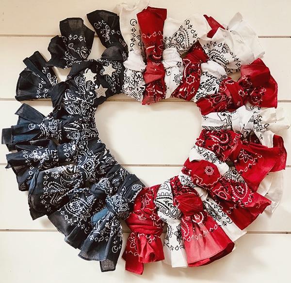 How to make a patriotic wreath using bandanas