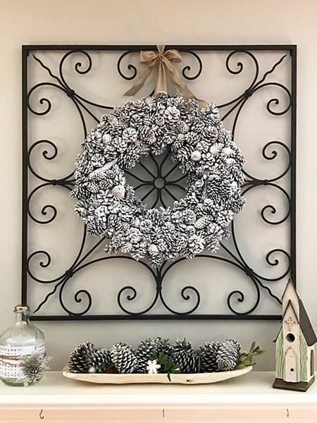 The perfect DIY Winter Pinecone Wreath!