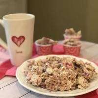 Valentine White Trash Candy Recipe 💕 (We LOVE this Simple Yet Delicious Treat!)