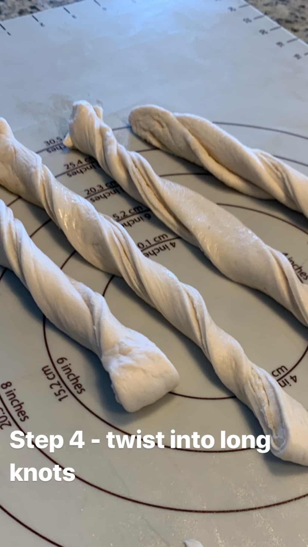 Easy Garlic Bread Twists