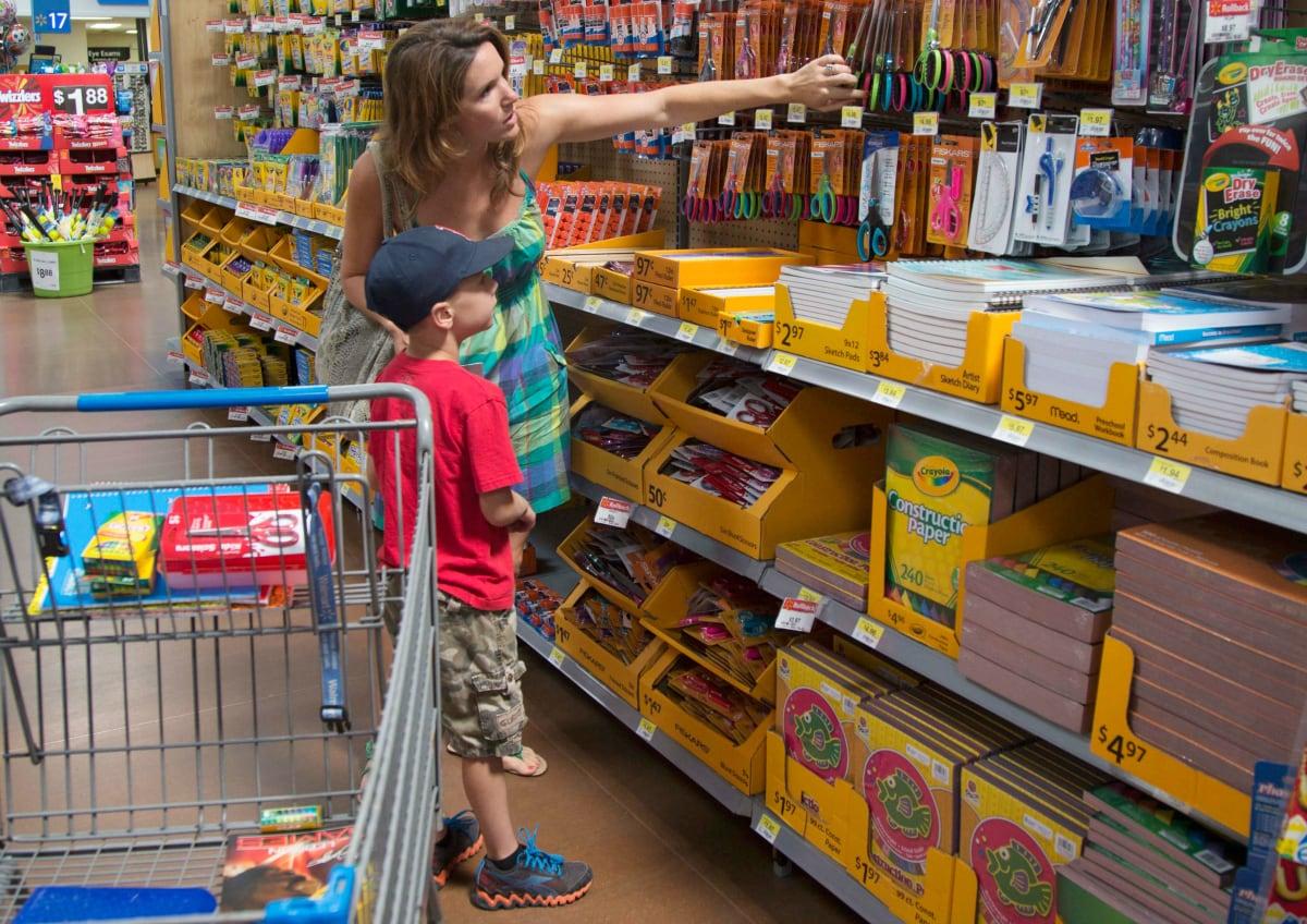 kid and mom shopping walmart