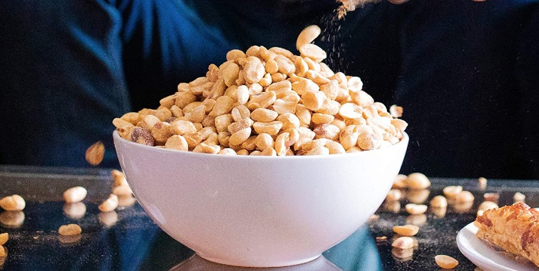 bowl of cashews