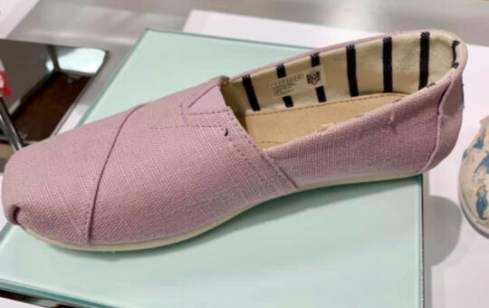 womens pink shoes