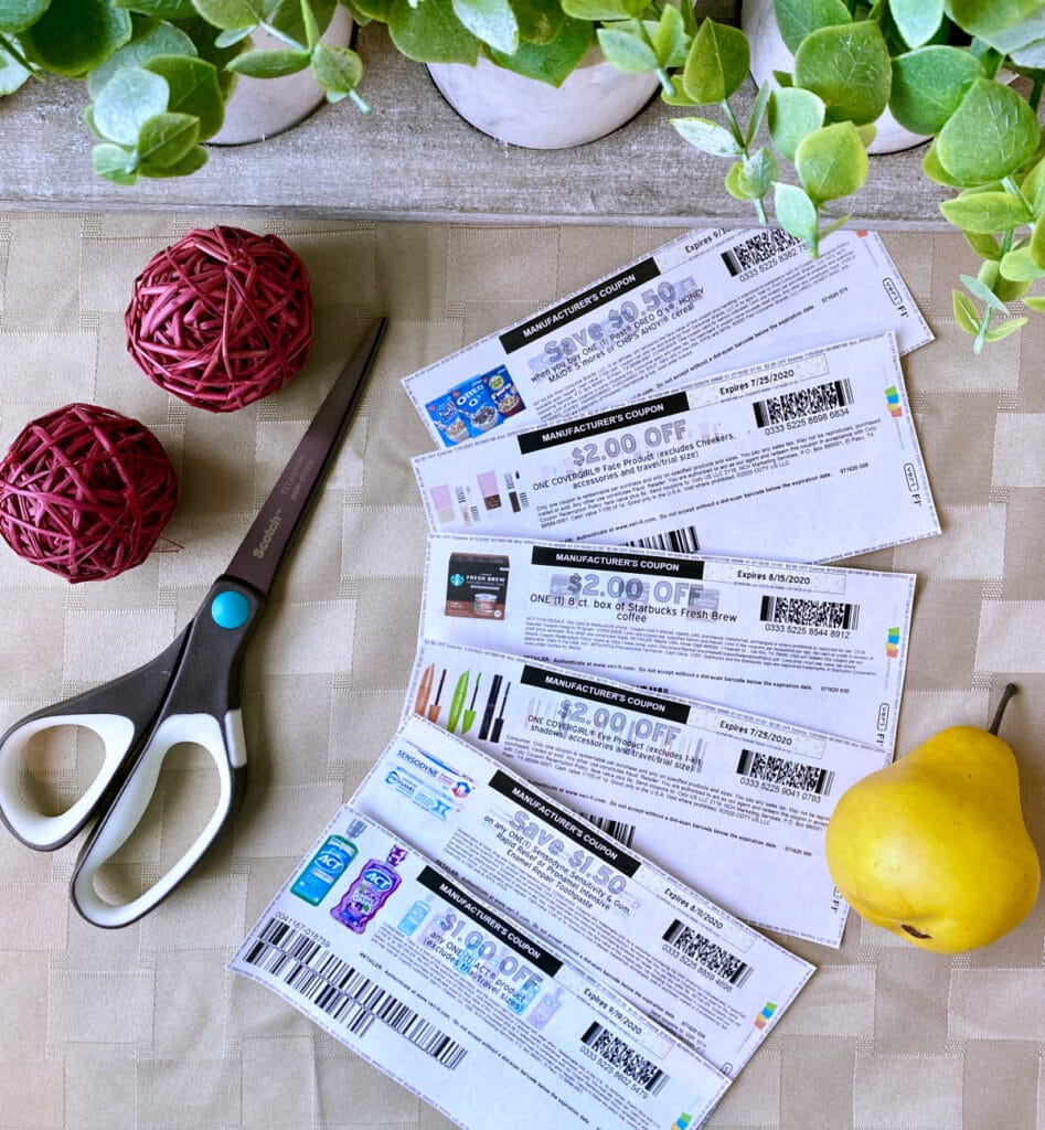 how to save money on groceries with a grocery budget and coupons