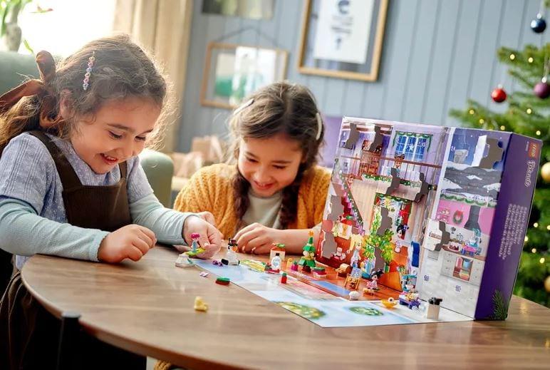 Friends LEGO Advent calendar 2021