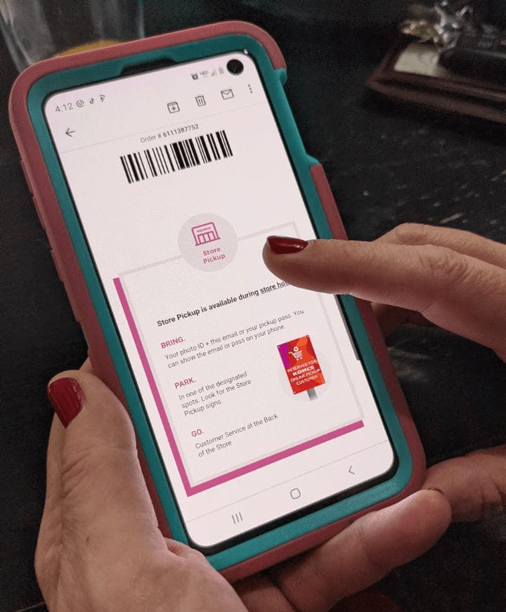 curbside pickup order confirmation on phone