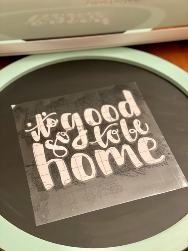 how to make Farmhouse Signs with Cricut Transferring Vinyl