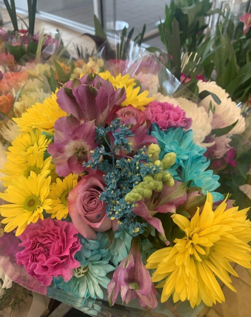 aldi mother's day flower bouquet