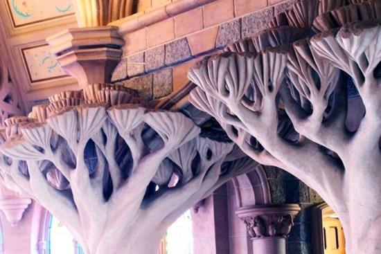 Disneyland Paris - Colonnes arbres 3