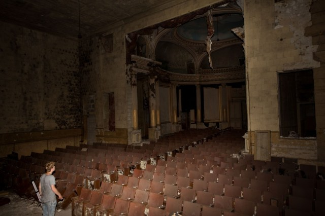 Ancien Théâtre Abandonné - Rémi Procureur