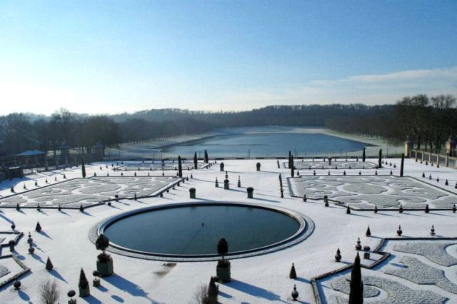 VERSAILLES. CHATEAU NEIGE
