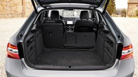 Neuer Škoda Superb L&K 2.0 TSI Kofferraum